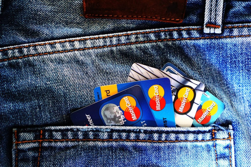 blue-master-card-on-denim-pocket-164571